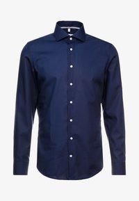 Seidensticker - SLIM FIT SPREAD KENT PATCH - Kostymskjorta - dark blue - 4