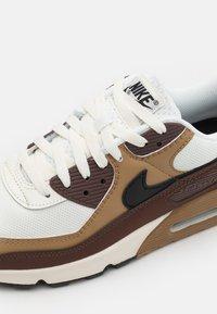 Nike Sportswear - AIR MAX 90 - Trainers - dark driftwood/black/sail/light chocolate/white - 5