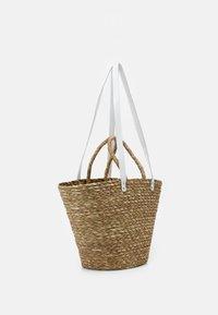 Núnoo - BEACH BAG LARGE - Tote bag - nature/white - 1