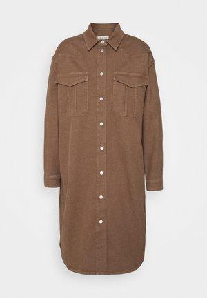 SLFCILLE  - Denimové šaty - pine bark