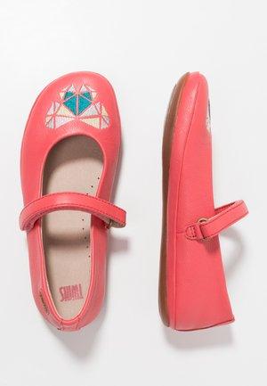 TWINS - Ballerina's met enkelbandjes - medium pink