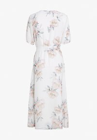 NA-KD - WRAP MIDI SHORT SLEEVE DRESS - Robe d'été - light flowers white - 1