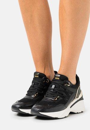THALIRI - Sneakers basse - black