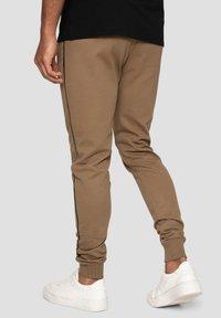 Threadbare - MORRIS - Pantalones deportivos - beige - 2