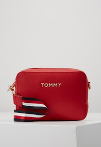 Tommy Hilfiger - ICONIC CAMERA BAG - Across body bag - red - 0