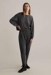 OYSHO - Kalhoty - dark grey - 1