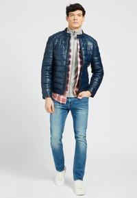 Guess - Winter jacket - blau - 3