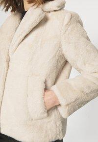 Vila - VIMARS SHORT JACKET - Short coat - birch - 6