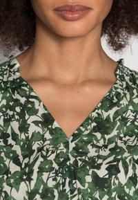 Marc O'Polo - BLOUSE V NECK SHORT SLEEVED FEMININE  - Blouse - green/white - 5