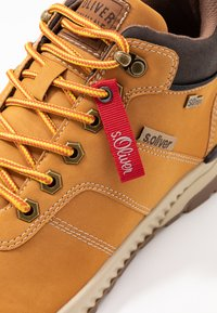 s.Oliver - High-top trainers - corn - 5
