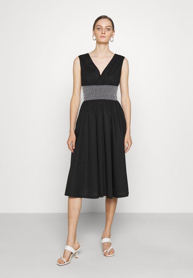 V-NECK DRESS - Denní šaty - black