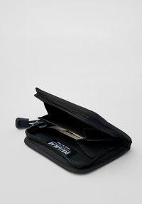 PULL&BEAR - Wallet - blue - 4