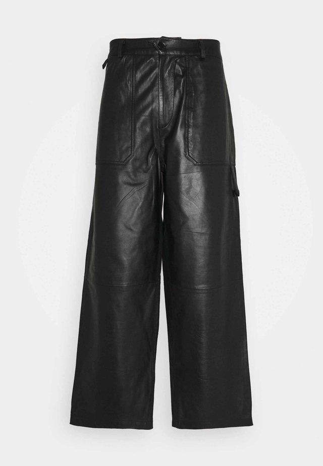 TEFF TROUSER  - Spodnie materiałowe - black