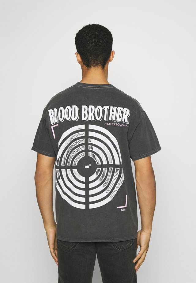 JUDAH TARGET GRAPHIC PRINT TEE - T-shirt print - grey