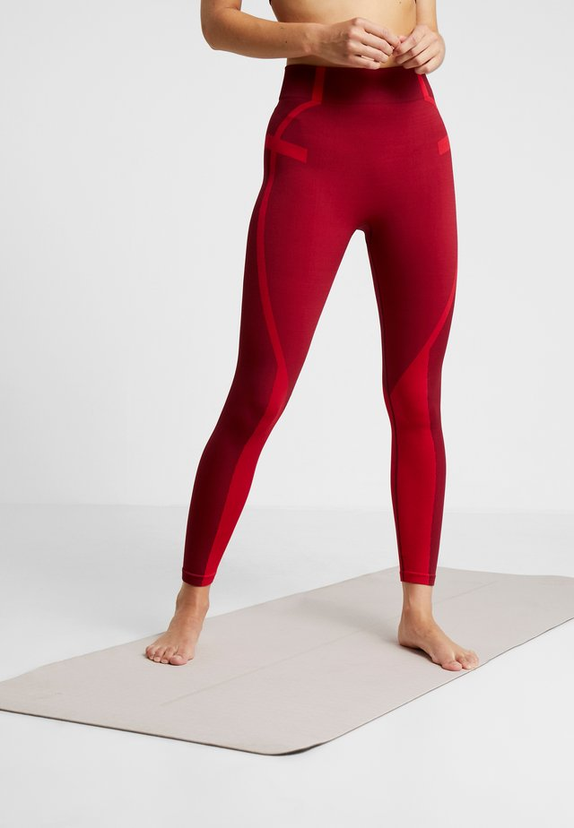 COLOURBLOCK SEAMLESS LEGGING - Leggings - red