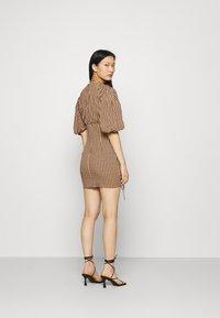 Mossman - THE CHECKED OUT MINI DRESS - Vestido informal - orange/black - 2