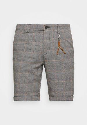 JJIMILTON - Shorts - orange pepper