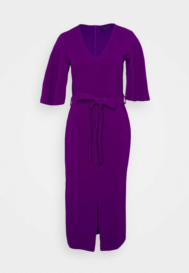 Shift dress - plum