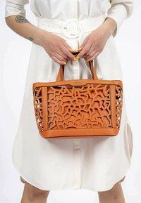 Emily & Noah - EDDA  - Handbag - orange 610 - 0