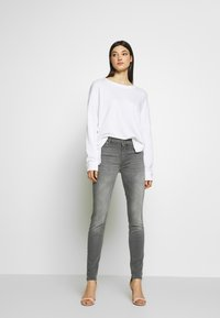 7 for all mankind - ILLUSION LUXE BLISS - Jeans Skinny Fit - grey - 1
