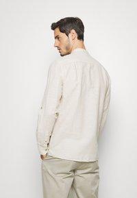 Springfield - MAO ROLLUP - Shirt - beige - 2