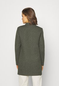 ONLY - ONLSOHO COATIGAN  - Kort kåpe / frakk - dark green - 2
