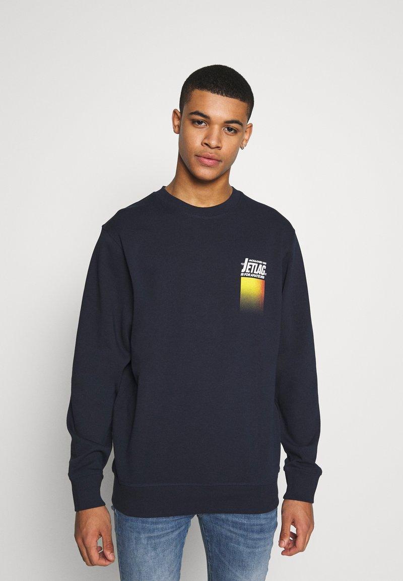 Jack & Jones - WANDER  CREW NECK - Sweatshirt - navy blazer