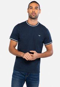 Threadbare - Basic T-shirt - mehrfarbig - 1