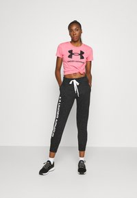 Under Armour - LIVE SPORTSTYLE GRAPHIC - T-shirt imprimé - pink lemonade - 1