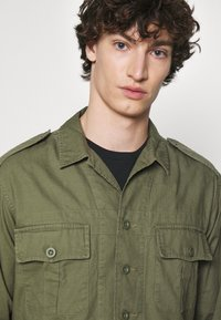Polo Ralph Lauren - CLASSIC FIT DOBBY UTILITY SHIRT - Shirt - soldier olive - 5