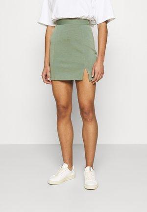 Mini princess seams skirt high waisted with slit - Pencil skirt - light green