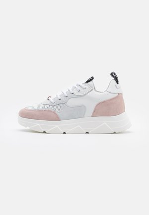 PITTY - Zapatillas - white/pink