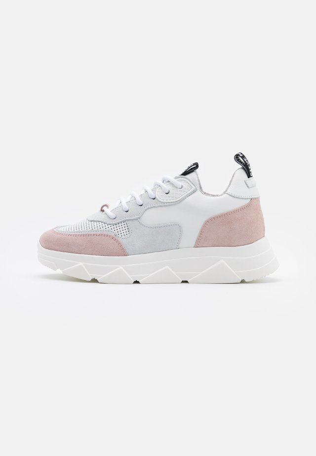 PITTY - Sneakers laag - white/pink