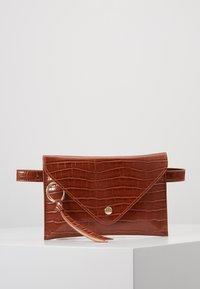Inyati - IDA - Bum bag - brandy brown croco - 0