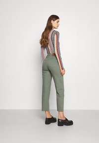 BLANCHE - AVELON - Straight leg jeans - agave green - 2