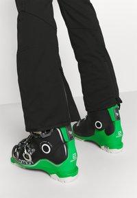 Dare 2B - BEAU MONDE PANT - Ski- & snowboardbukser - black - 3