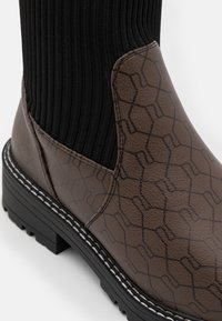 River Island Wide Fit - Over-the-knee boots - brown/black - 5