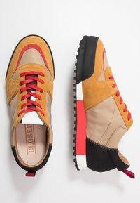 CLOSED - Sneakers - khaki - 1