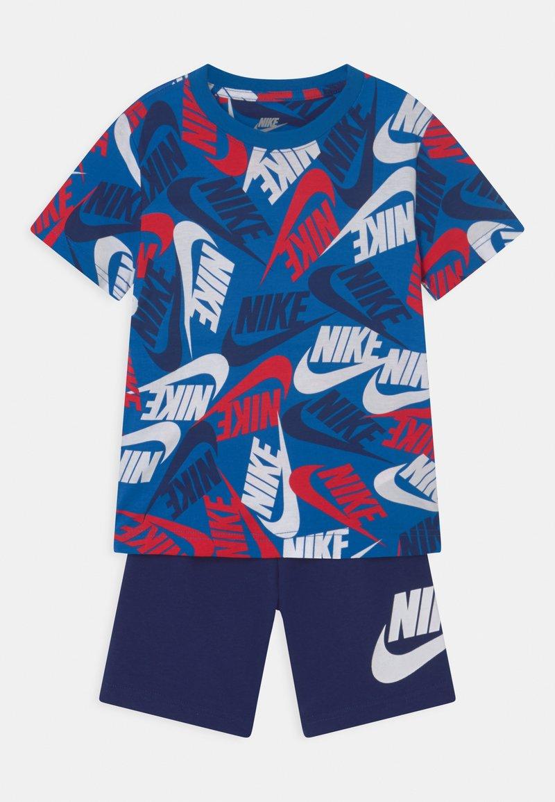 Nike Sportswear - FUTURA TOSS SET  - Camiseta estampada - blue void