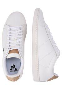 le coq sportif - COURTSET - Sneakersy niskie - white - 2