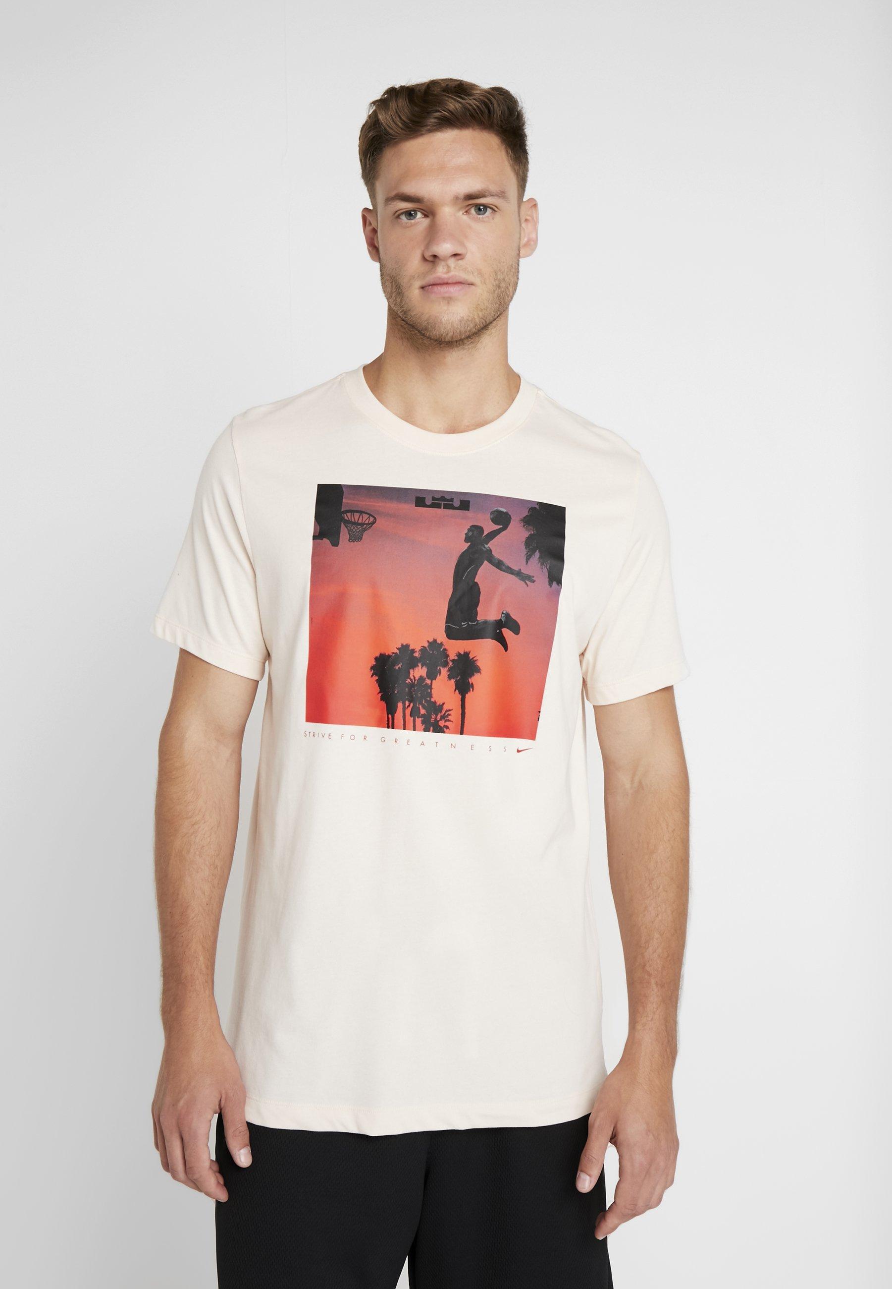 Cumplido salvar conversacion  Nike Performance LEBRON JAMES DRY TEE FLY - Camiseta estampada - guava  ice/blanco - Zalando.es