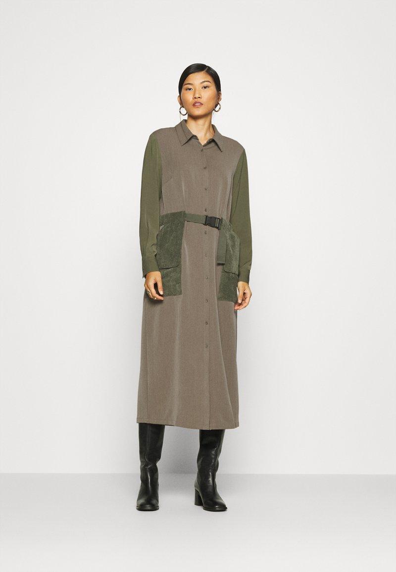 Another-Label - DAWN DRESS - Shirt dress - winter moss melee