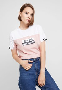 adidas Originals - TEE - Print T-shirt - white/pink spirit - 0