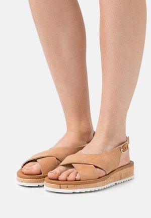 Platform sandals - natural