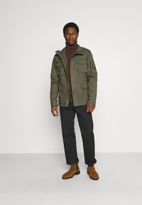 Superdry - CLASSIC ROOKIE  - Summer jacket - washed khaki - 1