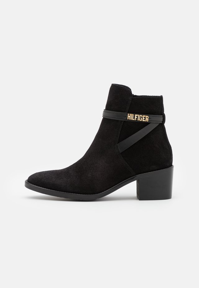 BLOCK BRANDING MID BOOT - Classic ankle boots - black