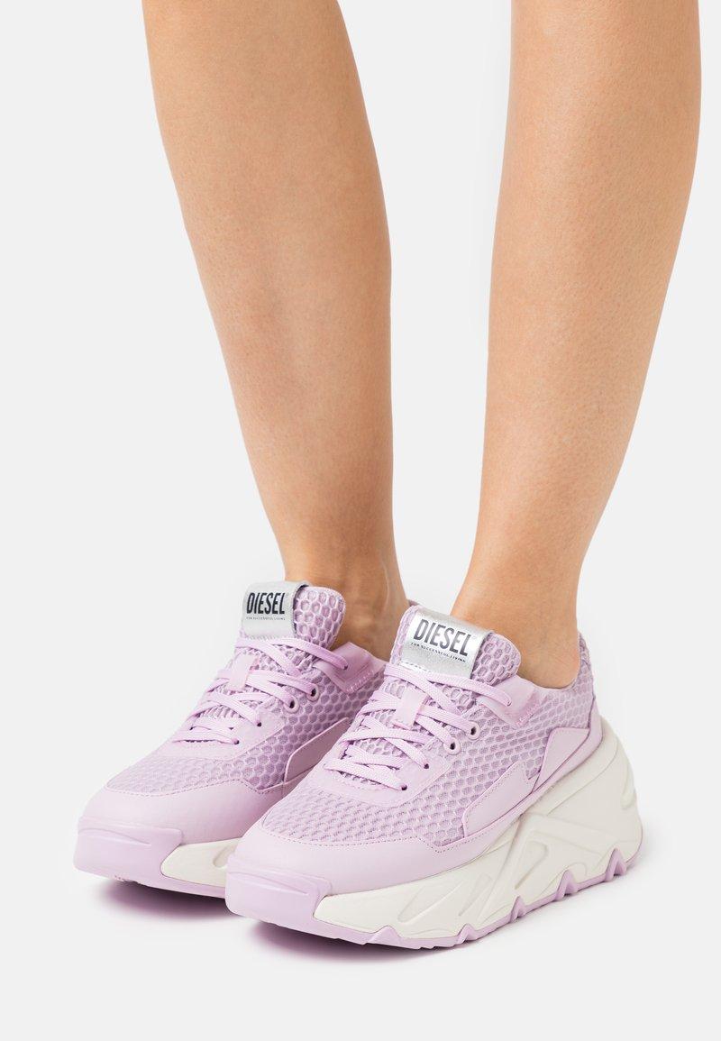 Diesel - S-HERBY LC - Sneakers basse - rosa