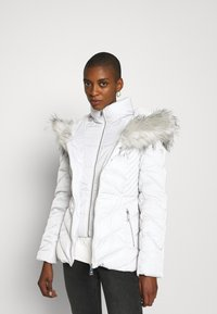 Guess - SARA SHORT JACKET - Down jacket - marble grey - 6
