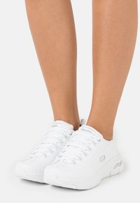 Skechers Sport - ARCH FIT - Sneakers laag - white/silver - 0