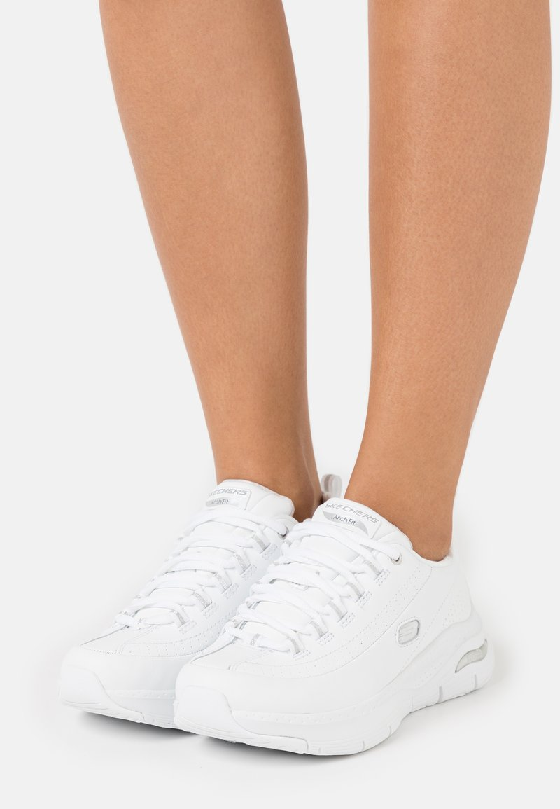 Skechers Sport - ARCH FIT - Sneakers laag - white/silver